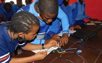 computer programming STEM class at clintonel